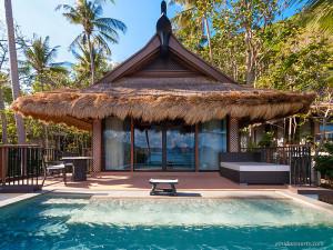 06. Pangulasian Island - Pool Villa Facade